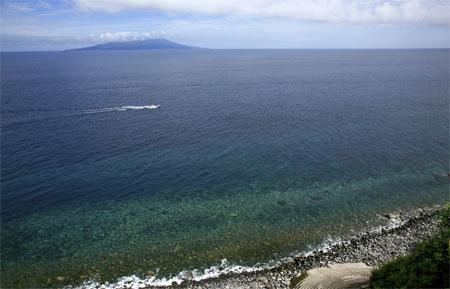 画題:玉石グラデーションの海 撮影者:草地ゆきさん