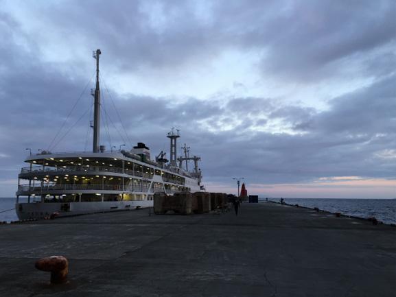 御蔵島桟橋到着